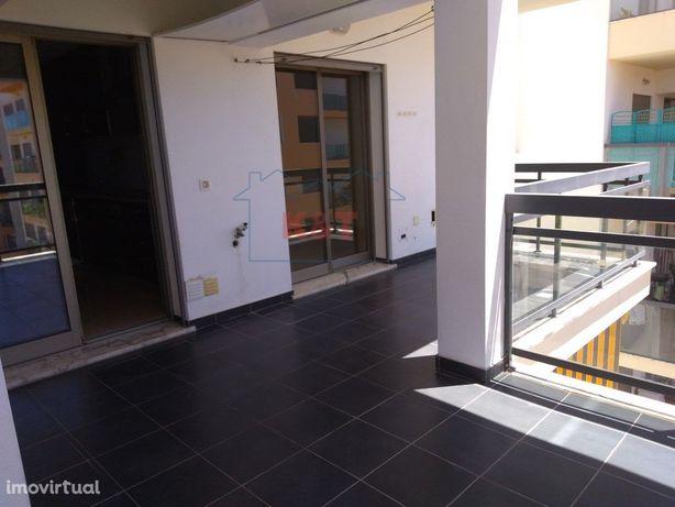 Apartamento T3 Arrendamento anual com garagem