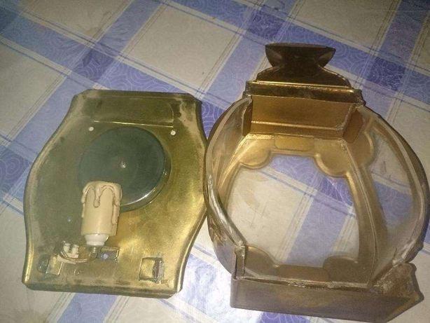 candeeiro em metal dourado lindo para entrada da porta ou no seu jard