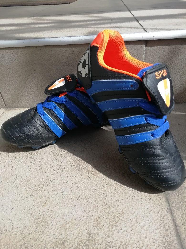 Кросовки для футбола на мальчика, кобки