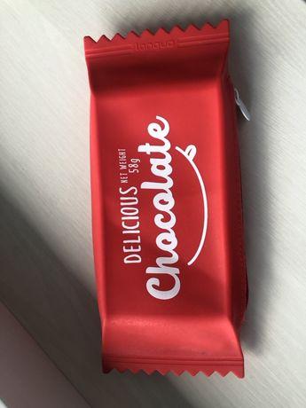 Пенал в форме шоколадки