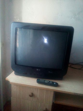 Продам б/у телевизор LG CF-21E20