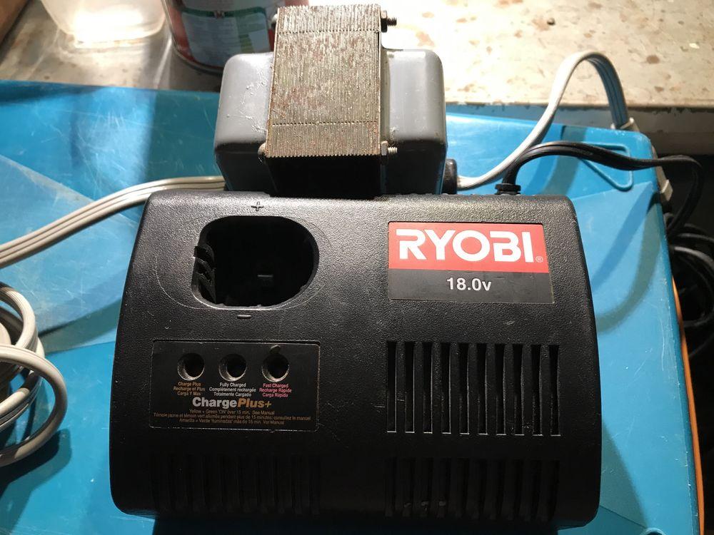 Carregador bateria 18v Ryobi e transformador 220/120v