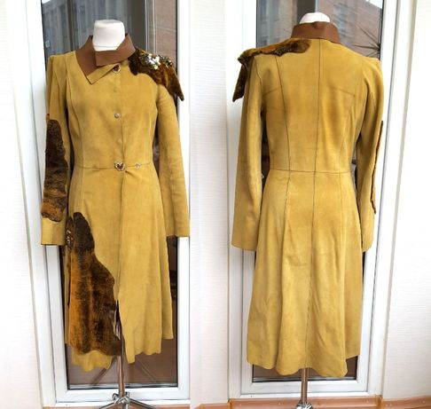 Пальто демисезонное кожаное Gizia с натуральным мехом и Swarovsky.