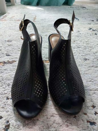 Чёрные туфли сандалии бассаножки ботильоны