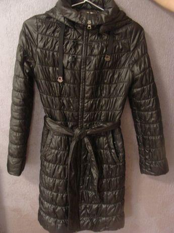 Пальто фирмы CLASNA на девочку 12-14 лет