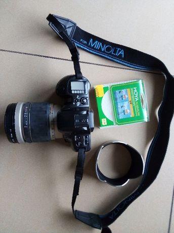 Aparat analogowy Minolta MAXXUM 400si plus obiektyw TAMRON + dodatki