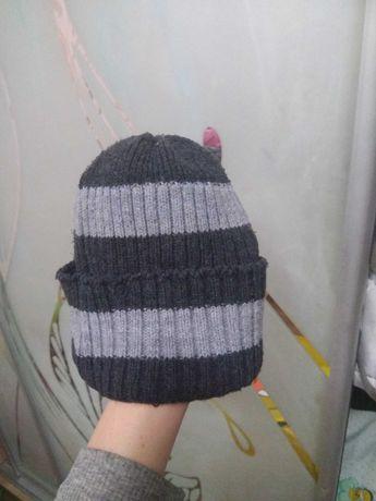 Мужская шапка с подворотом