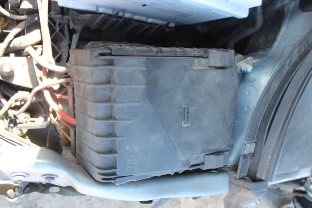 Skrzynka bezpieczników VW Passat B6 rok 2010