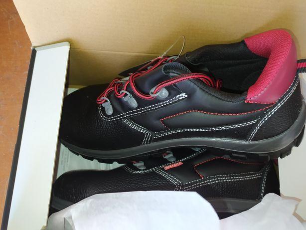 Sapato/ bota biqueira de aço novo numero 42 e 43 Belota