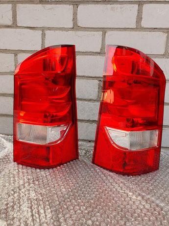 Оригинальные фонари задние Mercedes Metris w447