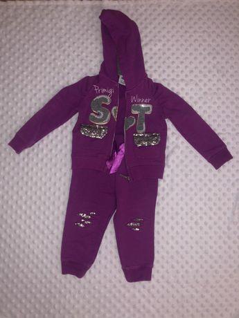 Итальянский брендовый спортивный костюм Primigi для девочки на год