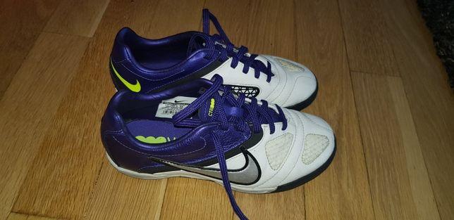 Nike turfy ctr360 junior rozm.32