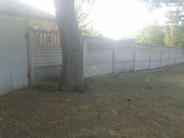 Продам земельну ділянку з будинком