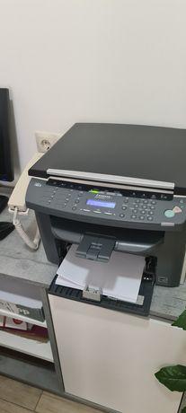 Продам багатофункційний пристрій принтер копір сканер