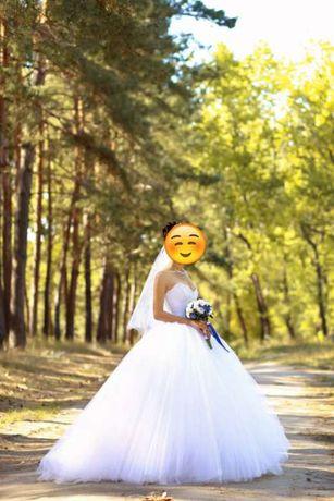 Свадебное платье от Etienne Leroy
