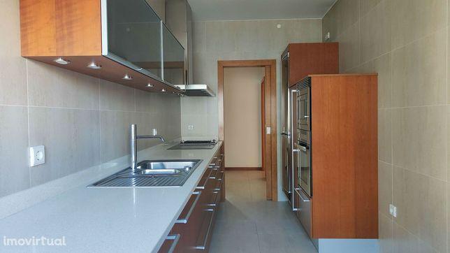Apartamento T2 Totalmente Remodelado - Centro da Cidade