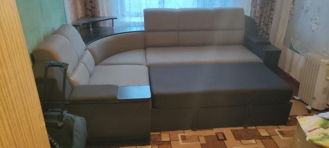 Продам диван в хорошем состояниe