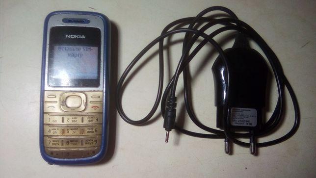 Nokia 1208 хорошее рабочее состояние с зарядкой