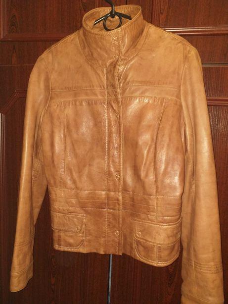 Продам шкіряну куртку в відмінному стані