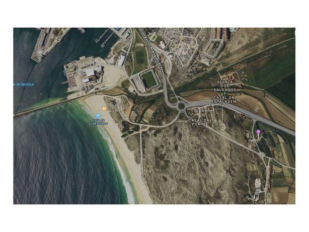 Terreno Urbano com 6978 m2 perto da Praia Super Tubos.