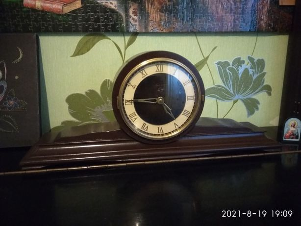 Часы Весна каминные