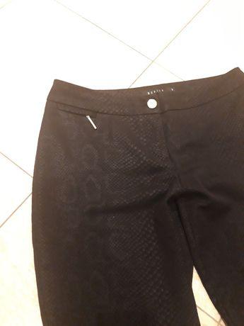 MOHITO czarne cygaretki spodnie weżowy wzór 38 M