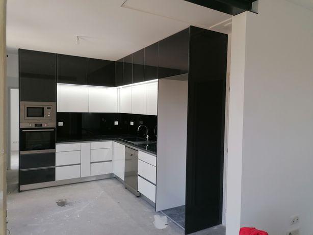 Cozinhas, mobiliário e carpintaria
