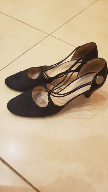 Туфли замшевые 39 р