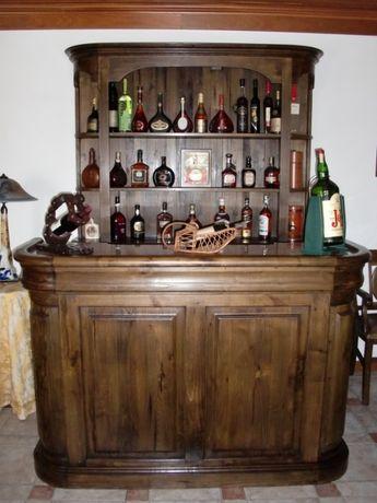 Móvel de bar, em madeira de castanho velho