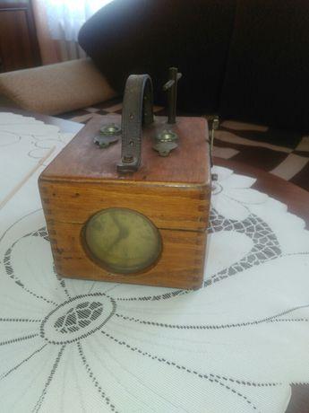 Zabytkowy zegar benzing