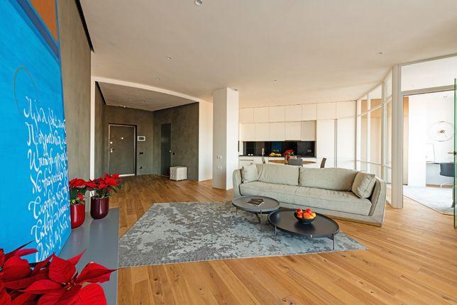 2-комнатная квартира с ремонтом в стиле минимализм, центр Киева!