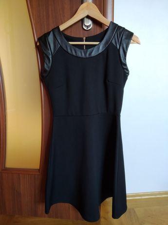 Sukienka młodzieżowa czarna