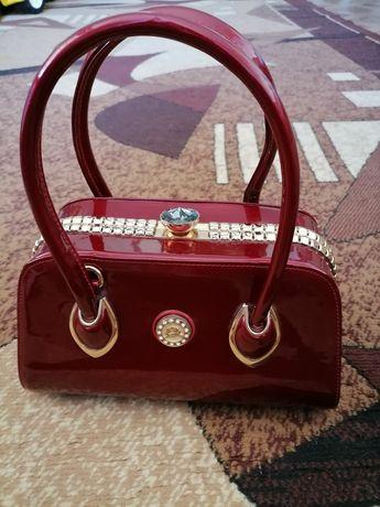 Продам сумку, червоного кольору