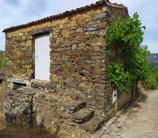 Casa rústica para remodelar Figueiró dos Vinhos