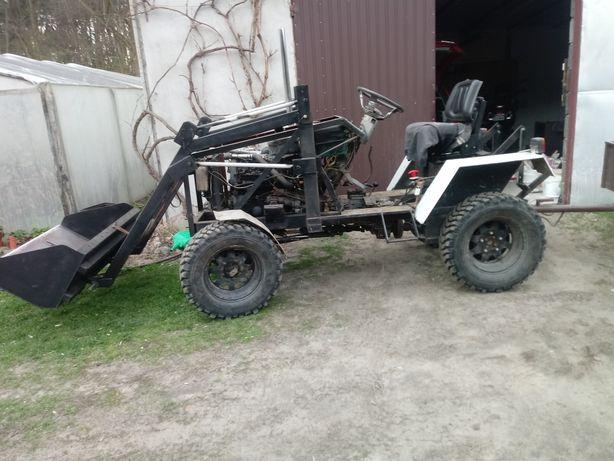 Traktorek 4x4 plus tur .ładowarka