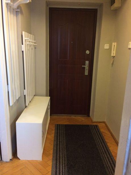 Mieszkanie na wynajem 35 m   2 oddzielne pokoje ul. Podskarbińska 8 A