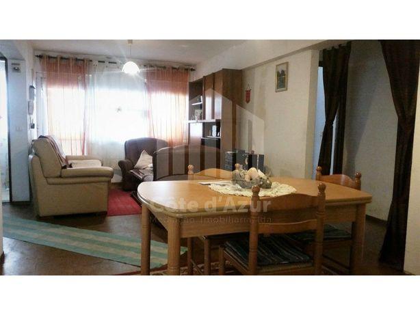 Apartamento T4 com algumas remodelações na Quinta Fonte d...