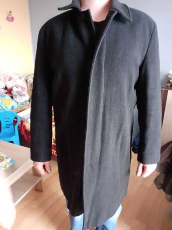 Płaszcz czarny męski idealny do garnituru