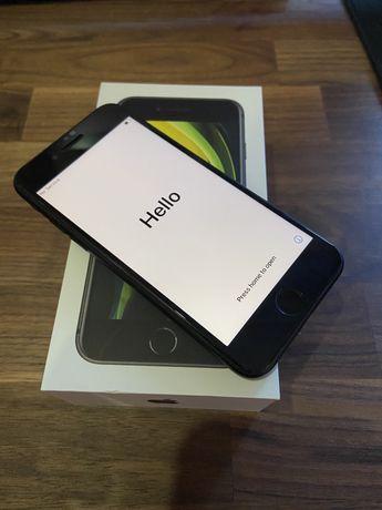 iPhone SE 2020 Sem Marcas de Uso com Capa Spigen