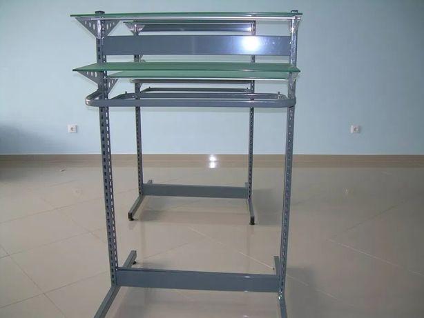 Mobiliário usado para lojas