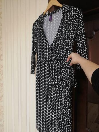 Платье на запах для беременных и удобно для кормящих