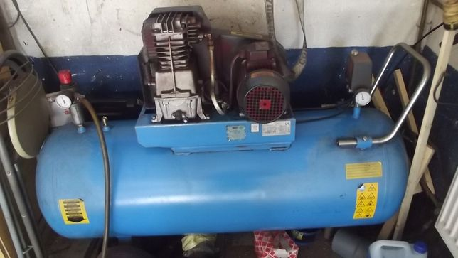 Kompresor 200L