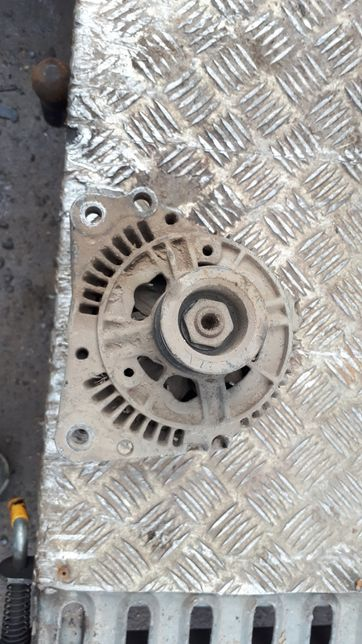 Alternator VW Golf III Vento Toledo Ibiza 1.9 TD 70A