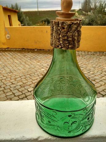 Garrafa de champanhe muito antiga.