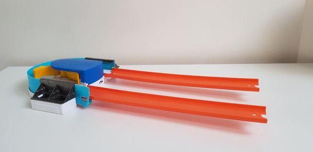 Mattel Hot wheels wyrzutnia zakręt z przyspieszeniem