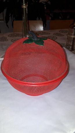 kosz pojemnik na owoce w kształcie jabłka