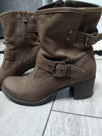 Жіночі шкіряні черевики