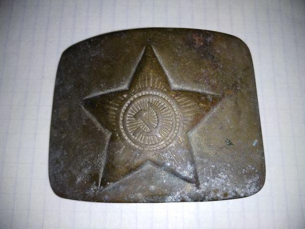 солдатская латунная пряжка СССР