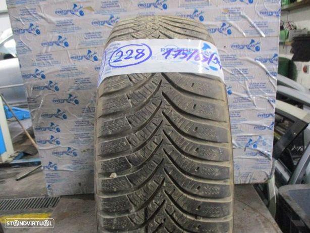 Pneu Solto 1756514 / / 1756514 / HANKOOK WinterI*cent rs2 / 3.4mm / 82T /