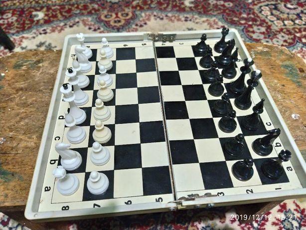 Шахи дорожні